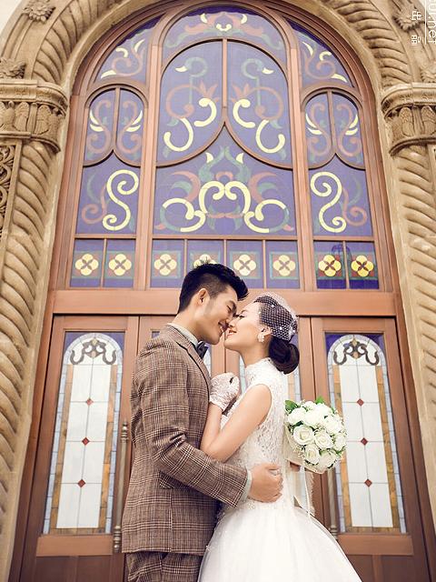 浪漫古典婚纱照手机壁纸