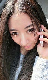 大眼烟熏妆美女安卓手机壁纸