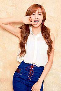 韩国人气美女安卓手机壁纸