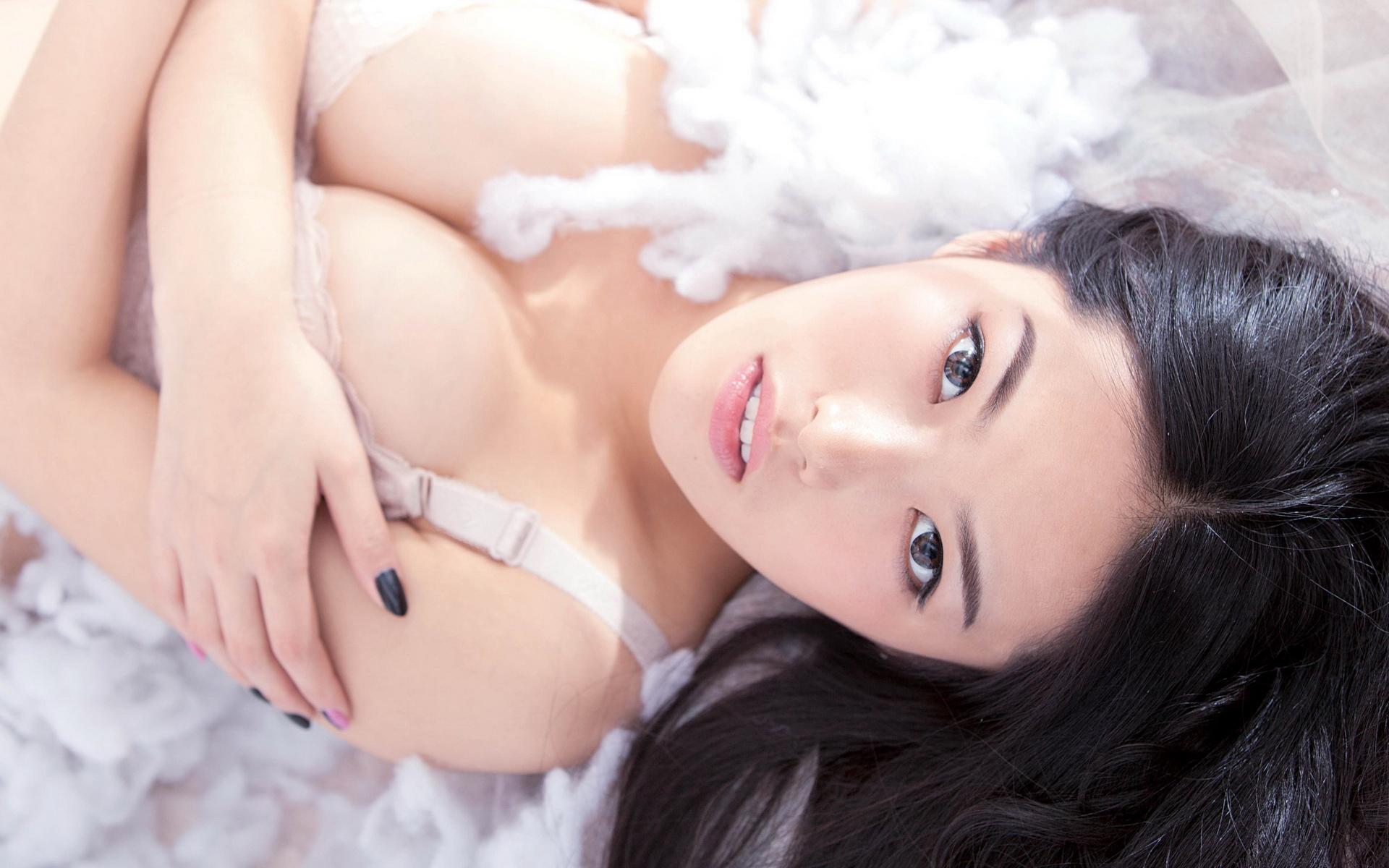 唯美性感美女内衣私房写真高清壁纸下载