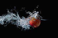 苹果透明清水图片下载