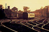 黄昏的火车高清图片