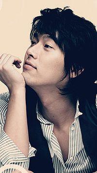 韩国帅哥型男手机桌面壁纸