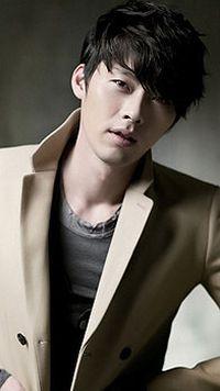 韩国帅哥型男手机壁纸下载