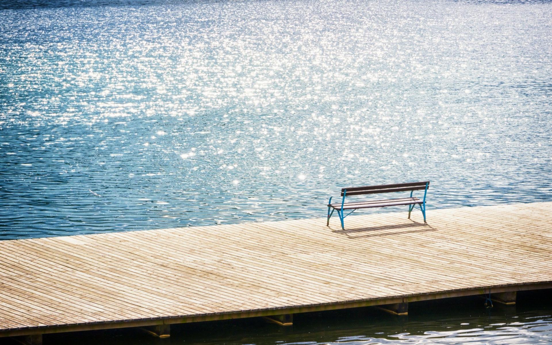孤独的长椅唯美风景高清壁纸下载
