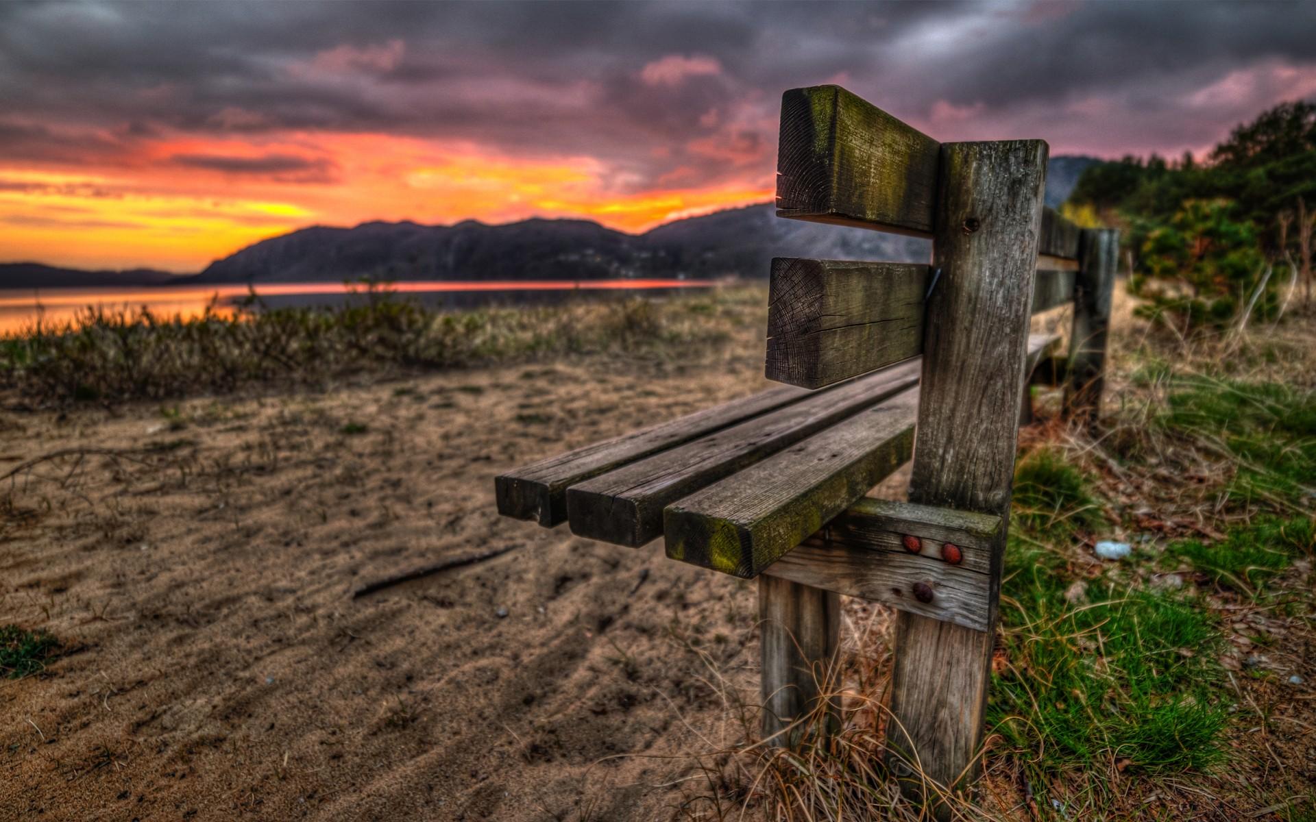 孤独的长椅唯美风景壁纸