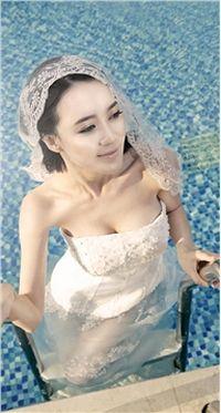 美女杨菲菲超级新娘时尚手机桌面