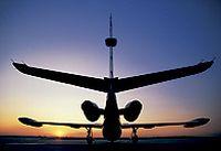 夕阳飞机高清图片下载