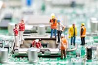 创意工人电路板施工高清图片下载