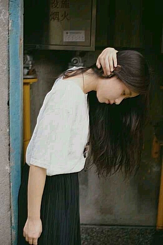 伤感欧美非主流美女小米手机壁纸