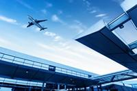 机场上空的飞机高清图片下载