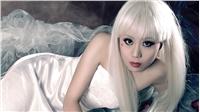白发魔女时尚写真唯美桌面壁纸