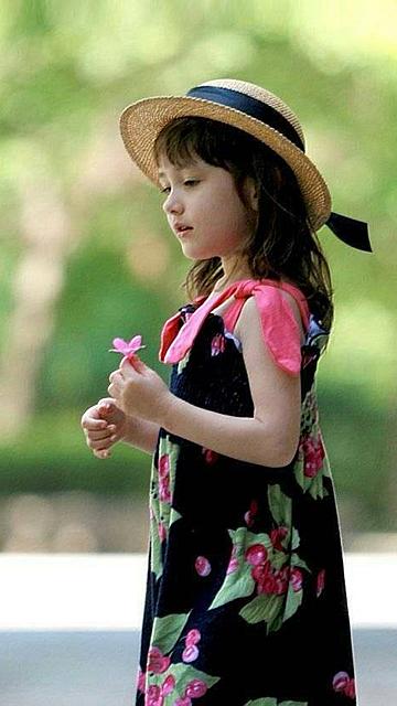 可爱萌女孩安卓手机壁纸