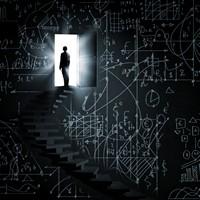 创意黑板上的阶梯与大门高清图片下载