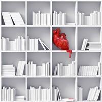 白色书架上的红色鲜血心脏高清图片下载