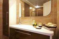 豪华明亮洗手间镜子高清图片下载