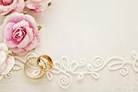 浪漫粉色花朵与戒指高清图片下载