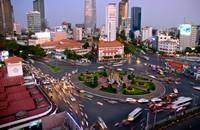 繁忙城市交通枢纽高清图片下载