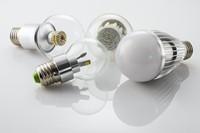 绿色环保LED灯泡高清图片下载