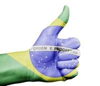 巴西国旗人体彩绘竖起大拇指高清图片下载