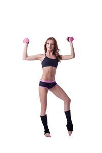 健身美女举起哑铃高清图片下载
