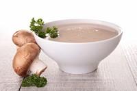 美味浓汤与新鲜蘑菇高清图片下载