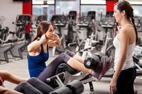 健身房中运动少女高清图片下载