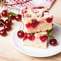 新鲜樱桃与美味蛋糕高清图片下载